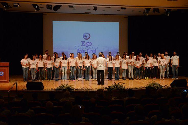 Ege Üniversitesi Devlet Türk Musikisi Konservatuvarı'nın 60. Yıl Marşı Canlı Performansı