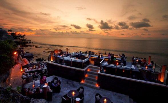 The Rock Bar(インドネシア、バリ島、アヤナリゾート)(C)Ayayaresorts.com ▼10Aug2013CNN|写真特集:世界のビーチバー http://www.cnn.co.jp/photo/35035752.html #Rock_Bar #Ayana_Resort #Bali
