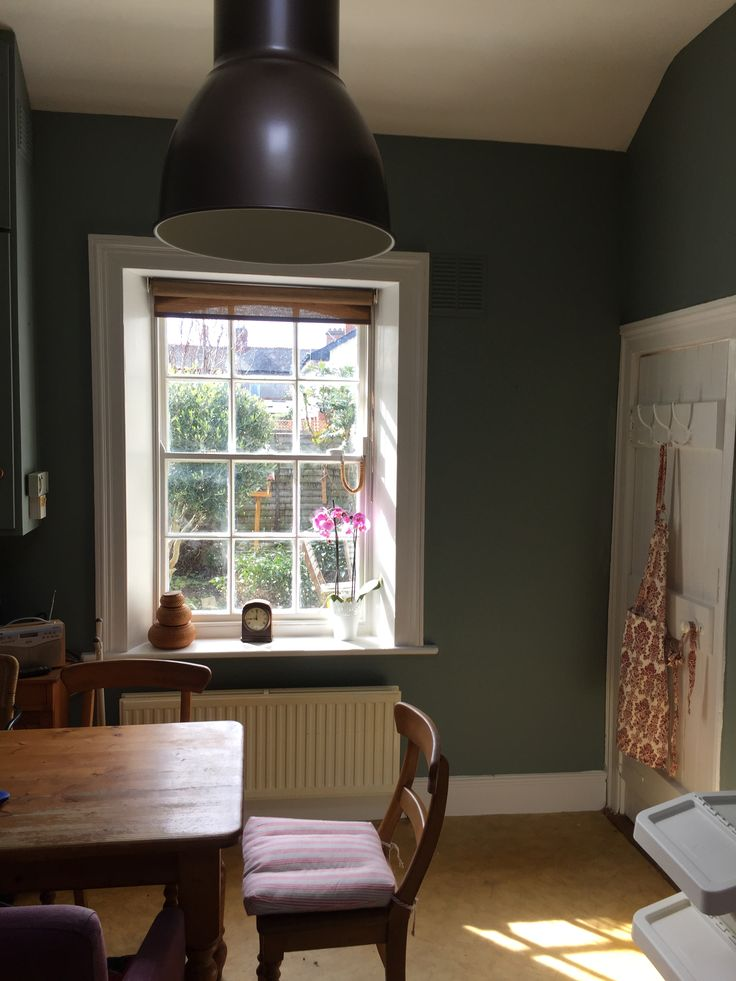 Walls painted in Dulux Collection Pure Jute and trim in Dulux Satinwood Ivory White