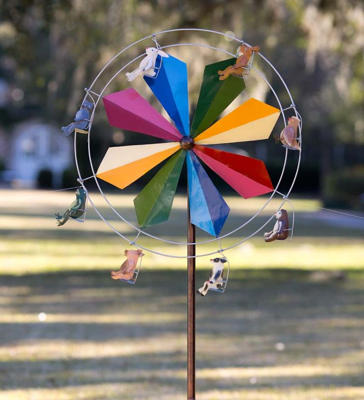 Ferris Wheel Wind Spinner With Animals - does it get any more hysterical than this? Guaranteed to make you smile!