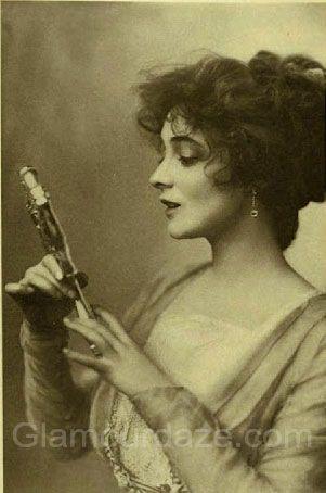 Edwardian-woman-makeup-mirror                              … Winifred
