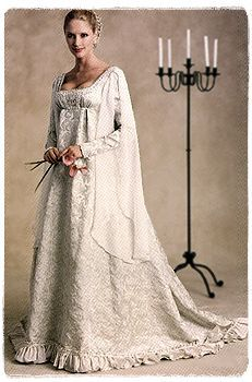 Another version of my almost wedding dress.  I think I will still make these dresses, but of course I am married now so I'll choose fabrics and colors more appropriate for the Ren faire and less for a wedding.