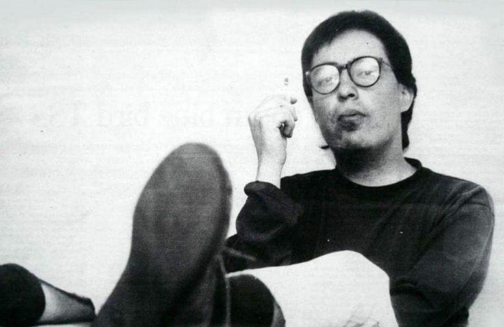 Hoy, 23 de diciembre, en 1963, nació el escritor colombiano, Rafael Chaparro Madiedo, quien murió de Lupus a sus 31 años.