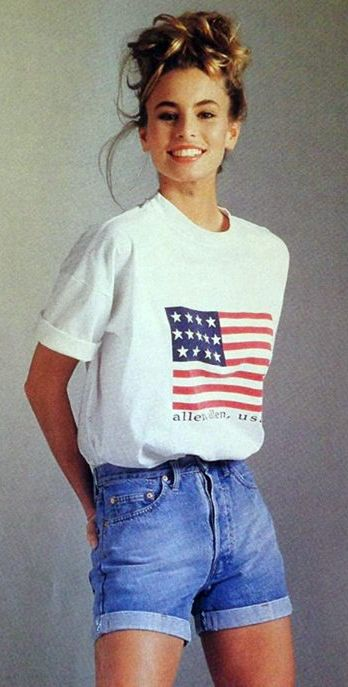 90s fashion, wait 30 years and it comes back right? That's coming right up in the 2020's! Prepare for the return of the 90's everyone!!