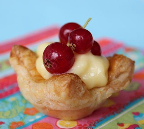 Feestelijke fruittaartjes, taart recept, fruit pie, bak recept, zoet, beautiful food, foodblog, foodpic, foodpics, eetfoto's, mooie eetfoto's, foodporn, healthy, food, voedsel, recept, recipe