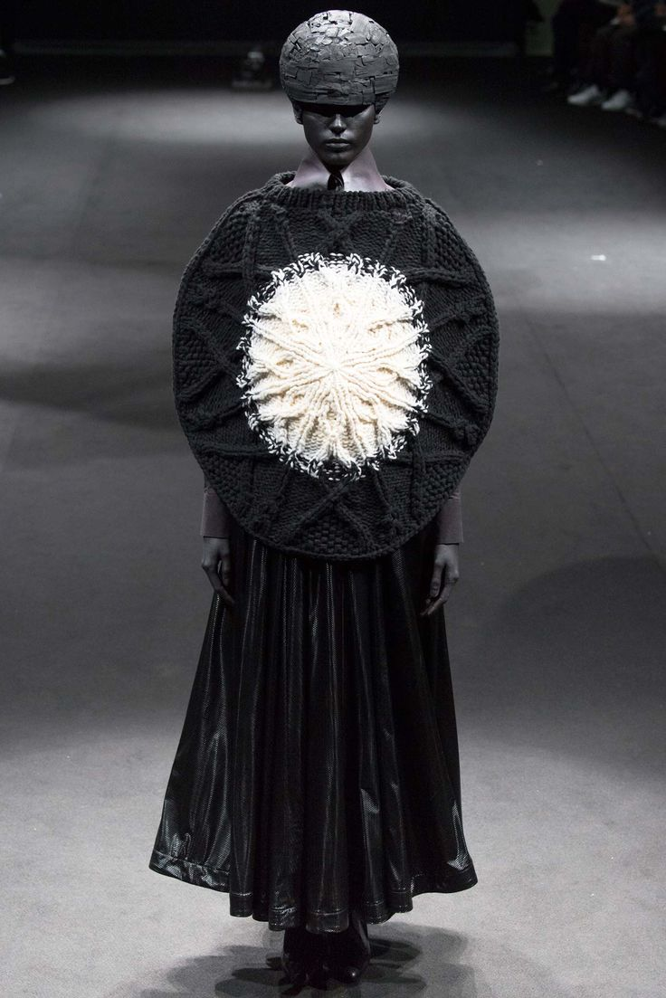 Sculptural Fashion - knitted top with circular silhouette; conceptual fashion // Anrealage Fall 2015