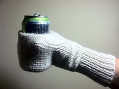 Cupholder mitts free knit pattern - put favorite team logo on these!