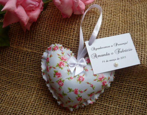 Lindos sachês perfumados em formato de coração. <br> <br>Formato 10x10 <br> <br>Tecidos a combinar <br> <br>Tag inclusa