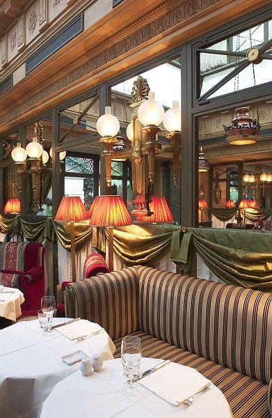 Inside view of the 'Le bélier' restaurant in the Beaux Arts, 6th arrondissement