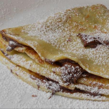 Crepes alla Nutella francesi http://www.tribugolosa.com/ricetta-48855-crepes-alla-nutella.htm