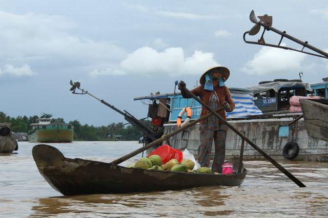 No delta do Mekong apanhamos um barco em Phnom Pehn, que demorou 7 horas até chegar a fronteira e Chau Doc, daí seguimos para Can Tho, Vihn Long e Cai Be.