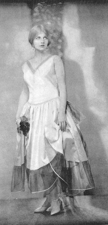 """1928 portrait of Ann Harding in ""Theatre"" magazine. """