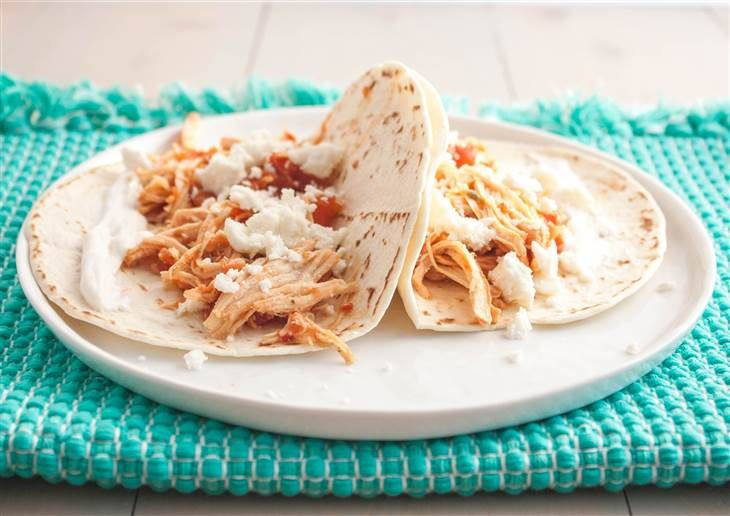 5-ingredient chicken recipes for your slow cooker: Barbecue, tacos and more!