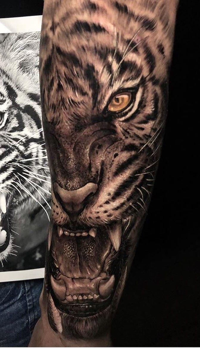 120 Erstaunliche Tiger Tatowierungen Toptattoos Erstaunliche Femininas Masculinas Ti Tiger Hand Tattoo Tiger Tatowierung Tigergesicht Tattoo