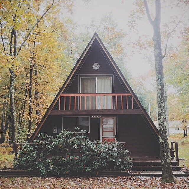 We d like to move into this cabin in the poconos tomorrow for A frame house