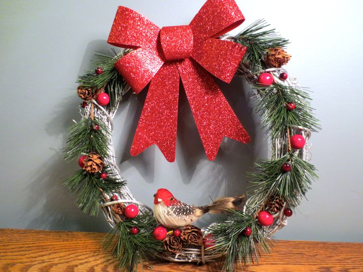 Hand Crafted Christmas Wreaths made by Shannon Ross. shanross3@yahoo.ca