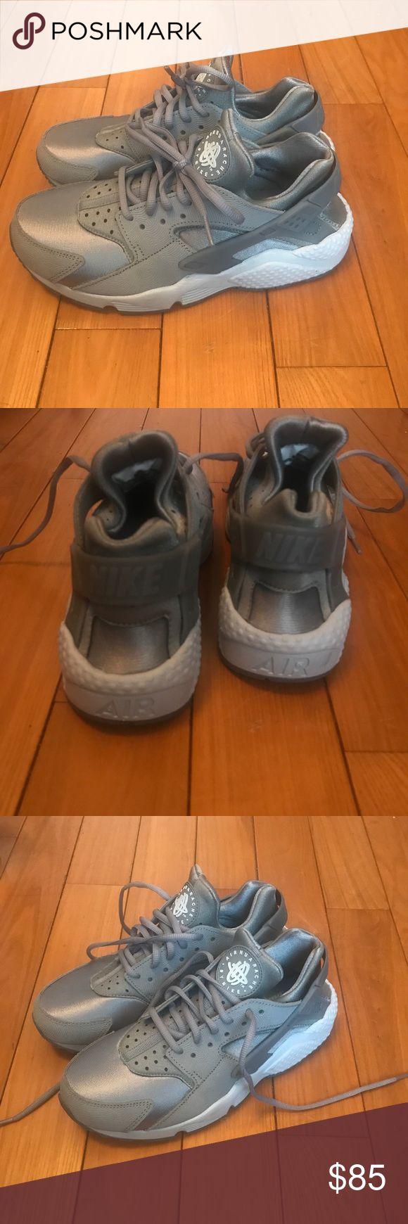 AIR HUARACHE BY NIKE Lightly worn grey huarache sneakers Nike Shoes Sneakers