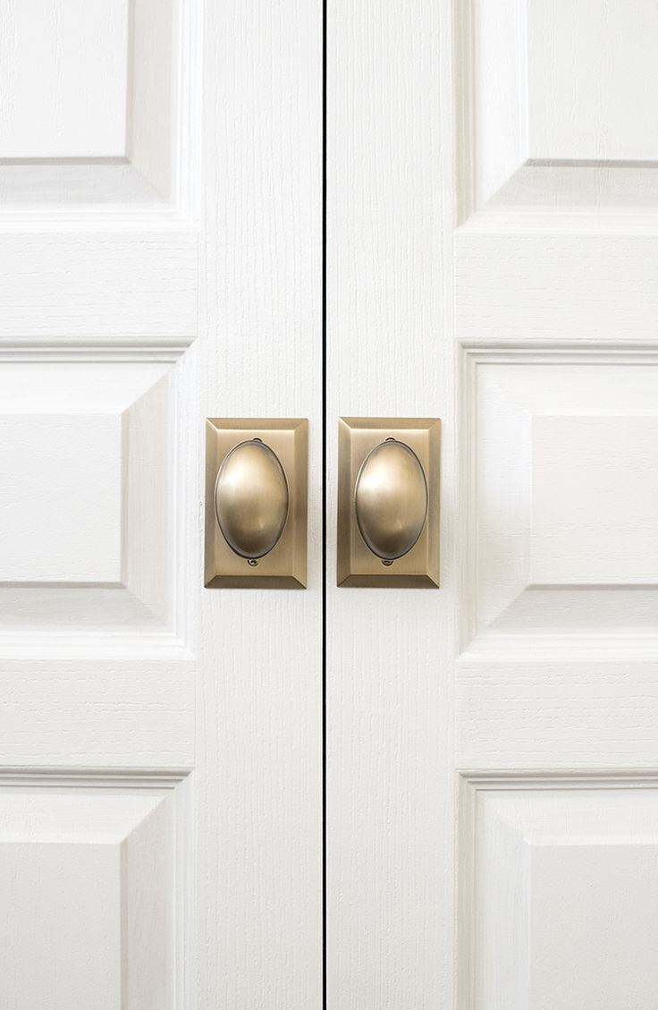 If you're not really sure where to begin when choosing door or cabinetry hardware, don't worry! We're sharing helpful tricks of the trade to help out.