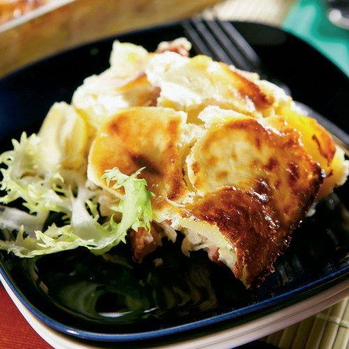 Koložvárska kapusta je v podstate zapekané jedlo pozostávajúce z vrstiev kyslej kapusty, bravčového mäsa, klobásy a ryže.