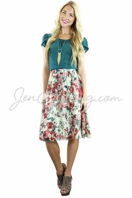 Pretty florals & soft chiffon--what more could you ask for? Looks great with our Teal or Burgundy Chiffoon Tops too!  Chiffon Modest Skirt in Cream & Mauve Floral Print