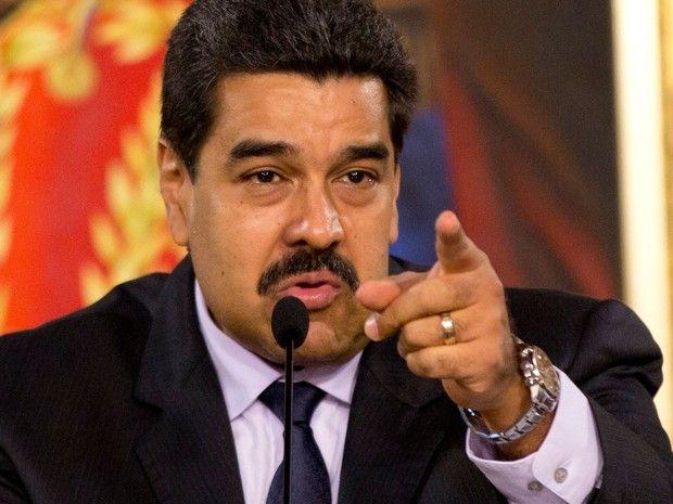 O presidente venezuelano Nicolás Maduro fala durante a abertura da comissão da verdade para investigar violência no país, em Caracas, na terça (12) (Foto: AP Photo/Ariana Cubillos)