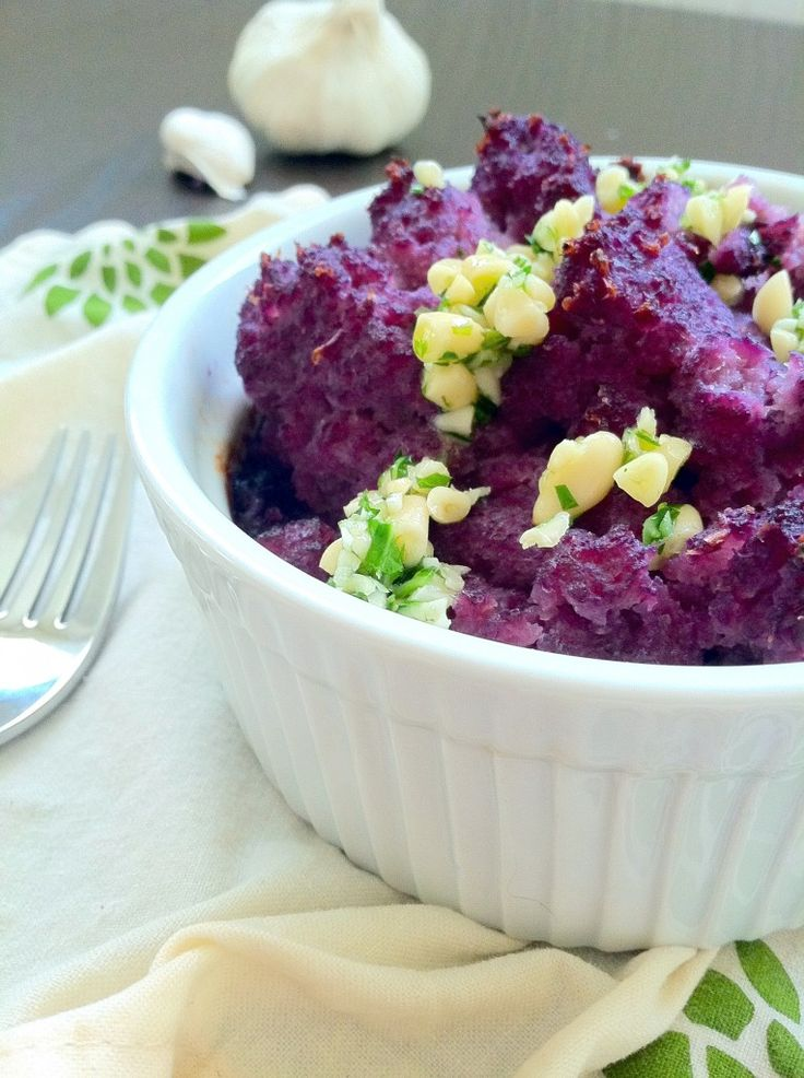 "Purple Cauliflower ""Mashed Potatoes"" with Cauliflower Pesto. Uses the whole vegetable!Olive Oil, Mashed Cauliflower, Leaf Pesto, Mashed Potatoes, Cauliflowers Mashed, Cauliflowers Leaf, Vegetarian Recipe, Cauliflowers Pesto, Purple Cauliflowers"