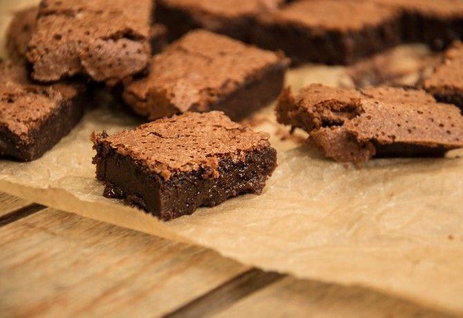 Nutellás brownie ahogy Cook készíti recept képpel. Hozzávalók és az elkészítés részletes leírása. A nutellás brownie ahogy cook készíti elkészítési ideje: 36 perc
