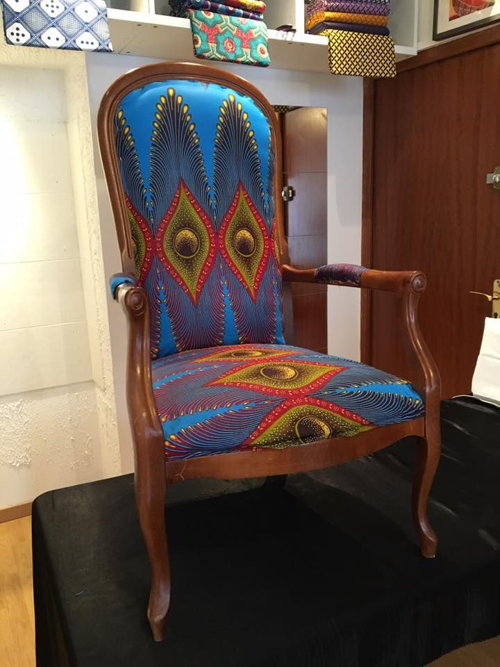 les 182 meilleures images propos de chaises et fauteuils en tissus africains sur pinterest. Black Bedroom Furniture Sets. Home Design Ideas