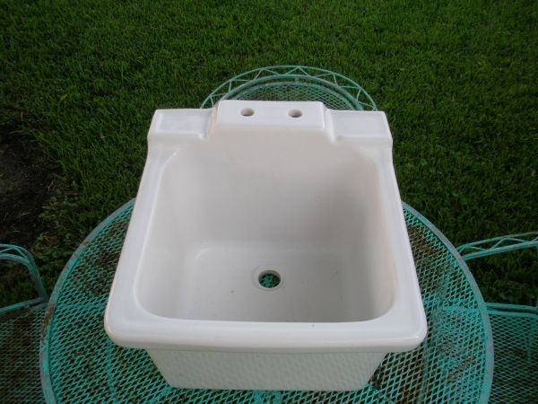 Utility Sink Porcelain : VINTAGE MUD SINK - utility sink --PORCELAIN GREAT CONDITION!! Home ...