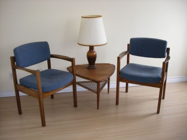 Toronto  MID CENTURY MODERN ARM CHAIRS  160   http   furnishlyst. 59 best Chairs images on Pinterest   Vintage furniture  Los