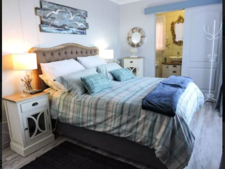 Beach House - Mossel Bay - Upmarket flatlet in a secure complex with access control. Luxurious queen size bed with memory foam, high-quality linen and finishings. Ample . Fully equipped kitchenette with ample crockery and cutlery ... #weekendgetaways #mosselbay #gardenroute #southafrica