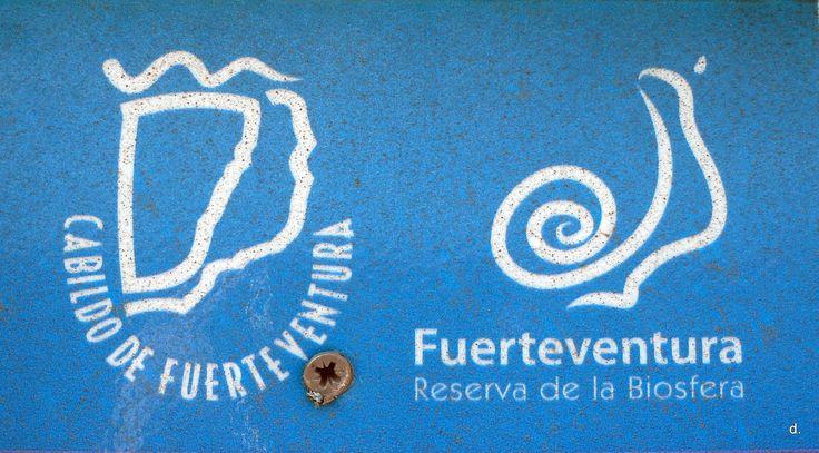 https://flic.kr/s/aHsjNmN2Ai | Bendita Fuerteventura [10.2013] | ...la bendita isla rocosa de Fuerteventura! 7/14 October 2013