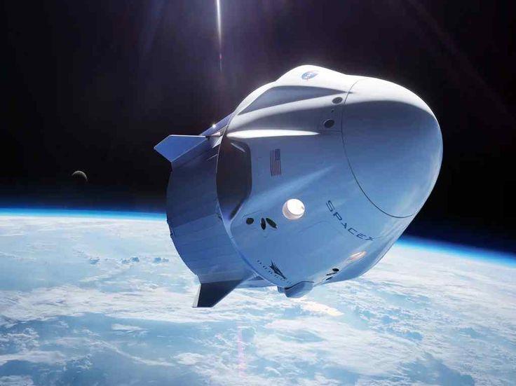 SpaceX lanzó un simulador online que te permitirá ponerte al mando del Crew Dragon, la nave que fue enviada a la Estación Espacial. Space Tourism, Space Travel, Richard Branson, Apollo Moon Missions, Spacex Dragon, Falcon Heavy, Elon Musk, Kennedy Space Center, Nasa Astronauts