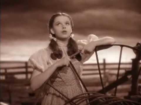 Somewhere Over The Rainbow - Judy Garland 1939