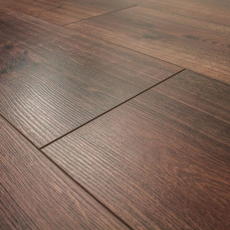 £9.60 Series Woods 8mm Homage Oak V Groove Laminate Flooring