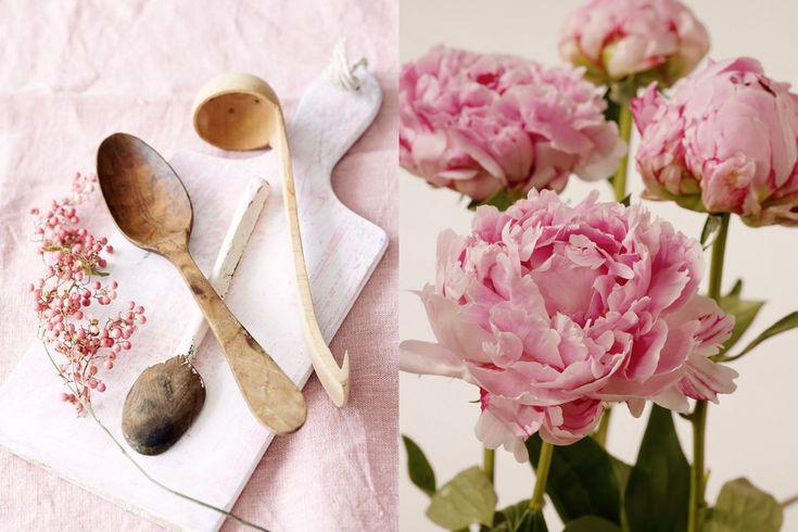 Styling Vind je een roze wand in de woonkamer of slaapkamer nu wat té veel van het goede maar ben je wel gecharmeerd van roze? Dan is de kleur in de styling te gebruiken en zo weer te vervangen. Gebruik verschillende roze tinten in stoffen als tafellinnen en kussens of verf een oud kastje of stoeltje in het roze.  Bloemen en planten versterken het effect. In de maanden mei en juni kunnen we weer volop genieten van de roze tinten van pioenrozen: mijn favoriete bloem.