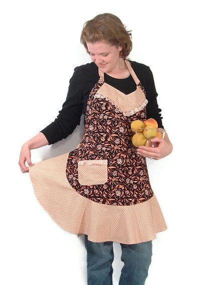 Womens Full Apron/ Daisies/ Peach/Black/Polka Dot - pinned by pin4etsy.com