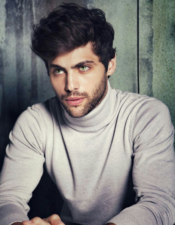 "fxcking-ccino:  ""I need Matthew Daddario to be Daemon Black in the movies  ""  PLEASE PLEASE PLEASE"