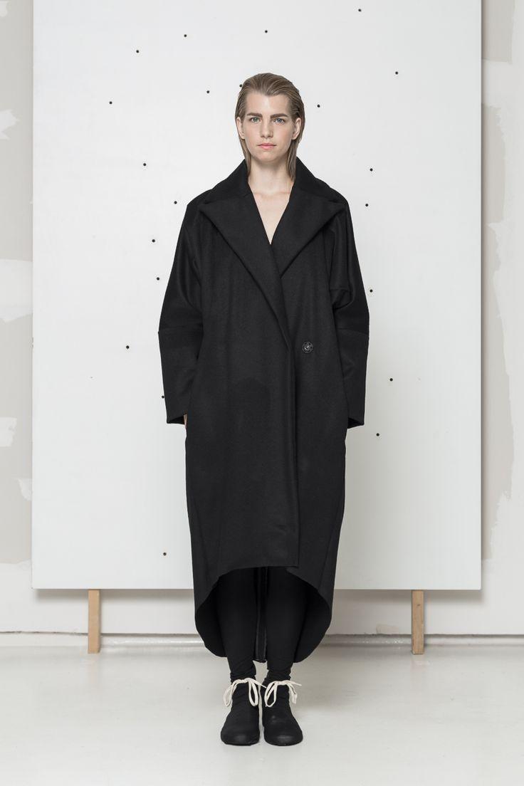 Black wool coat www.hanazarubova.cz