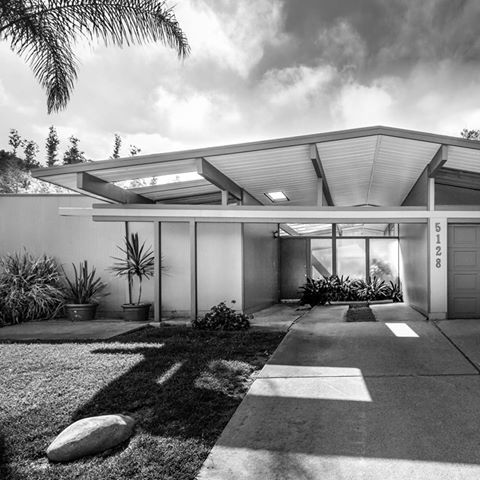 Many Eichlers were built by famous Modernist architects. Click on the image to read their story. Fairhaven Eichler, 1962 Architects A. Quincy Jones & Frederick Emmons Photo by Darren Bradley