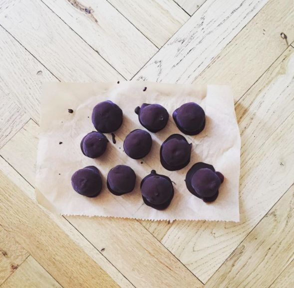 healthy praline / truffle
