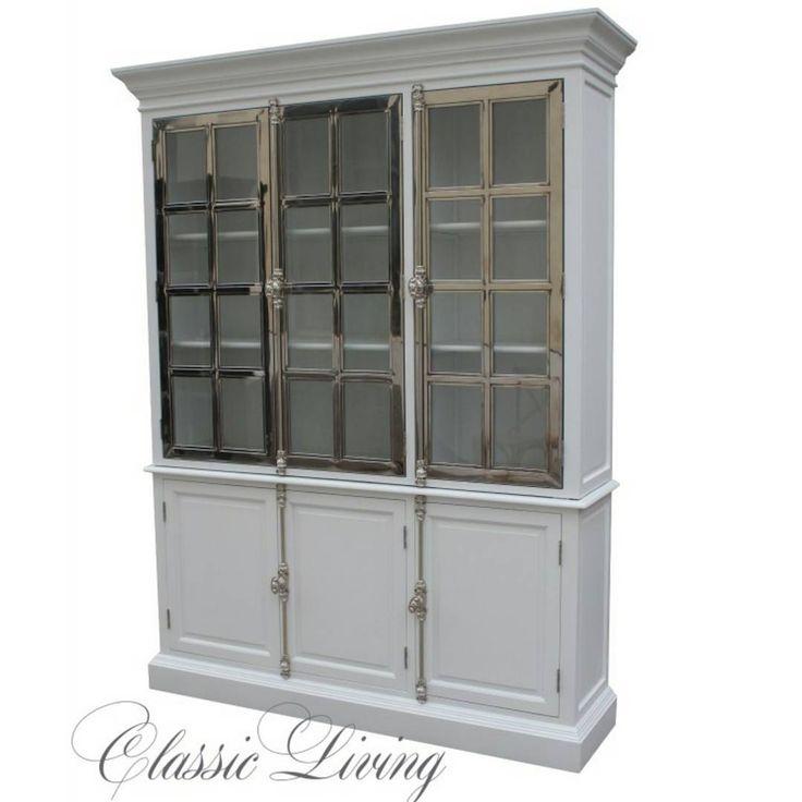 """Som vi gleder oss til """"Manhattan Lux Cabinet"""" kommer på lager til @classicliving   Finnes I hvitt og svart. Mål : 22017045 cm"""