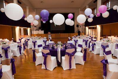 Décoration Salle  Source : https://sites.google.com/site/feedeleffet/mariage-theme-blanc-et-violet