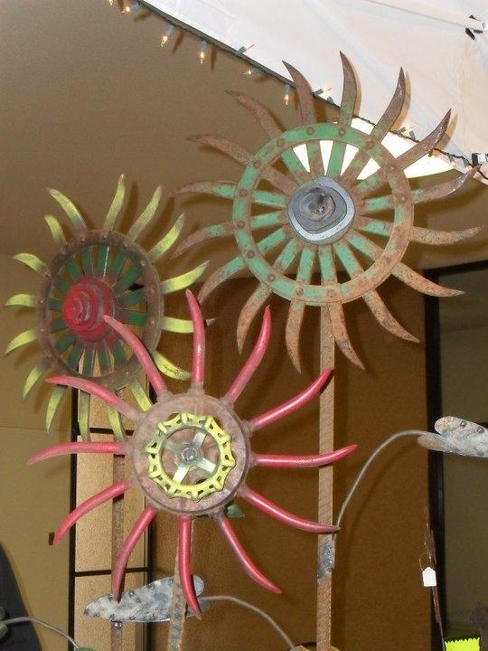 Junkyard flower art    via Melissa Miller { MissTique } via Debra Treffry Clark onto Repurposed Vintage Junk