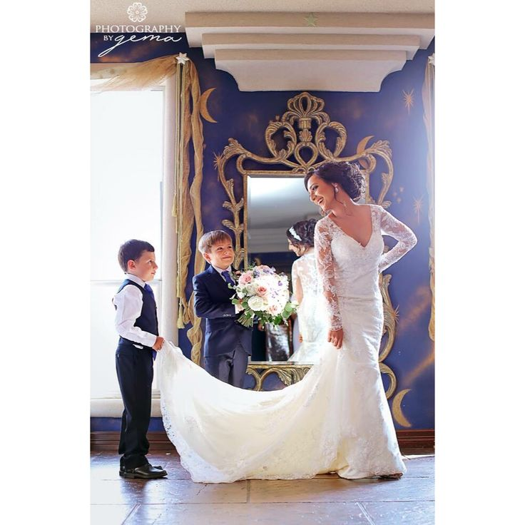 Wedding day photo ideas with ring bearers