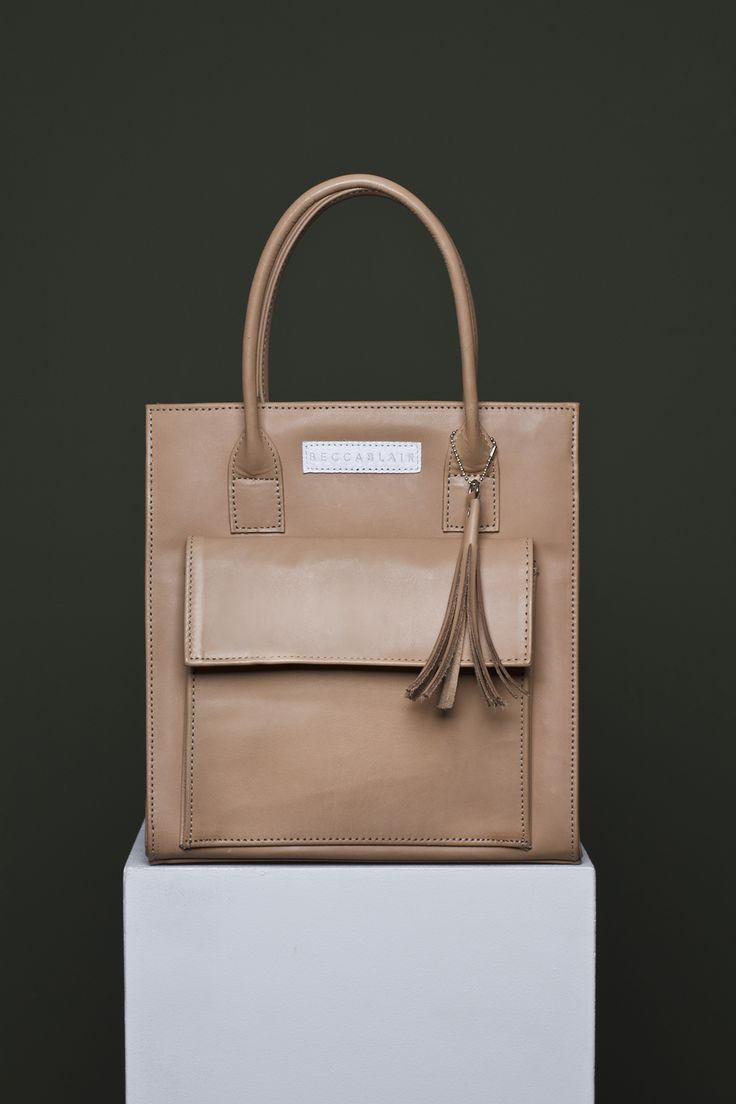 Becca Blair - South Africa. Handbags made in South Africa and shipped worldwide. #handbags #designer #metallic #leather #leatherhandbags #leathergoods #africa #madeinafrica #madeinsouthafrica #designers #handbag #purse #clutch #unique #musthave #trending #nude #nudehandbag #beige #nudeleather