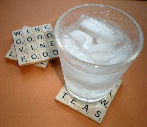 scrabble coaster: Crafts Ideas, Gifts Ideas, Drinks Coasters, Crafty, Scrabble Coasters, Scrabble Tiles, Scrabble Drinks, Tile Coasters, Scrabble Letters