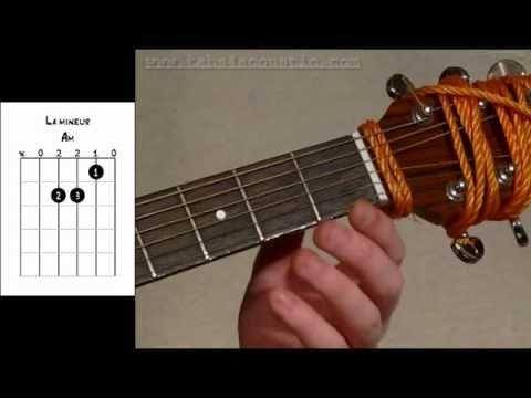 Cours de guitare : apprendre les accords pour débutants - Partie 2 - YouTube