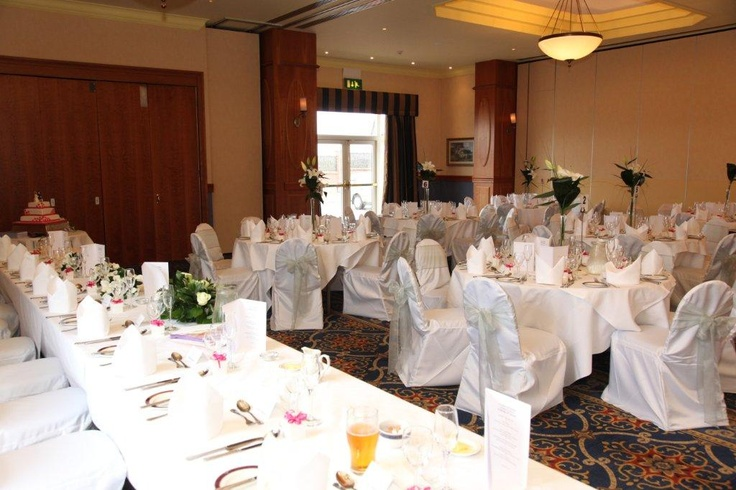 Oakmont Suite setup with silver bows can host up to 80 guests