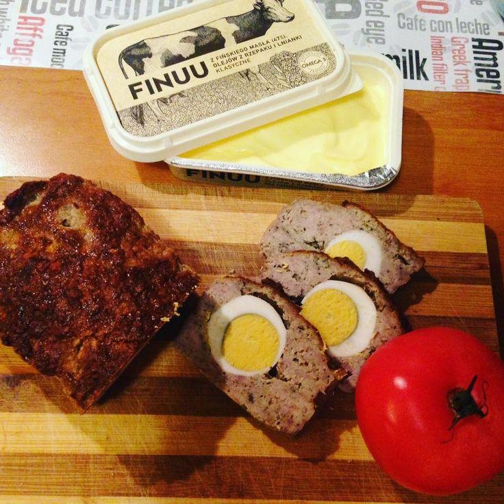 Do pieczeni z jajkiem dodaj odrobinę miksu FINUU. Dzięki temu podkreślisz jej smak tak, jak zrobiła to @mrsFamess. #finuu #finuupl #pieczen #sniadanie #Kanapki #sandwich #breakfast #food #pomidory #przepisy #inspiracje #maslo #butter #bread